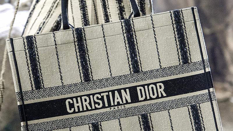 20 големи дизайнерски чанти, които ще поберат всичко