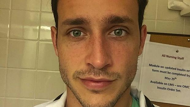 Най-сексапилният лекар в света предлага компанията си срещу заплащане