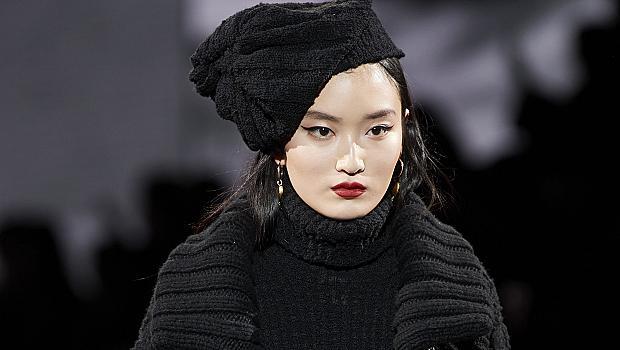 Плетените шапки, които ще ни стоплят: 10 модела от подиума за есен 2020