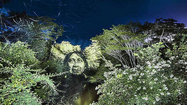 Човешки лица в джунглата на Амазония