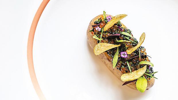 Рецептите на най-добрите жени готвачи в света: картофи и хайвер от Клеър Смит