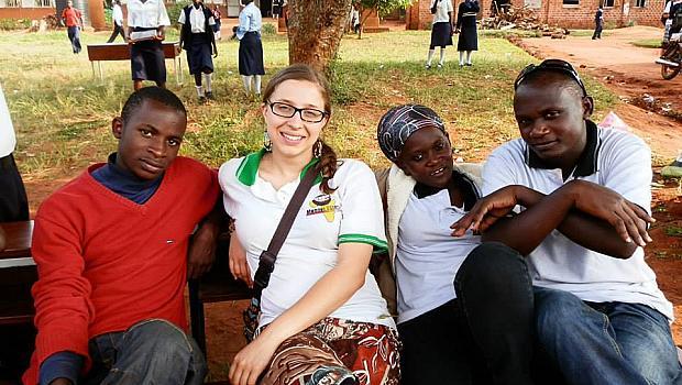 Професия доброволец: Емили Киров, която дойде от Англия в България