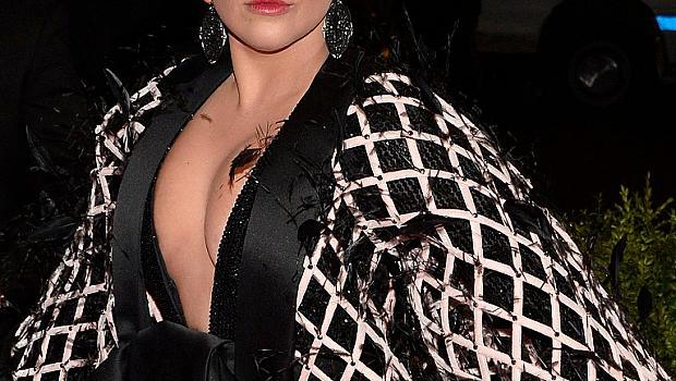 Лейди Гага: Не съм бременна, остарявам!