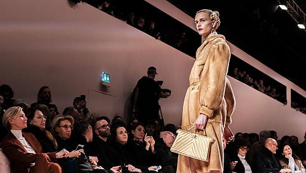 Най-пухкавите палта от модния подиум, в които ни се иска да се сгушим