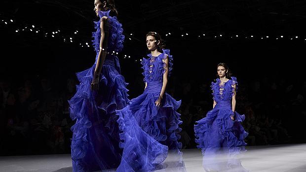 20 празнични рокли от модния подиум, в които ще се влюбите