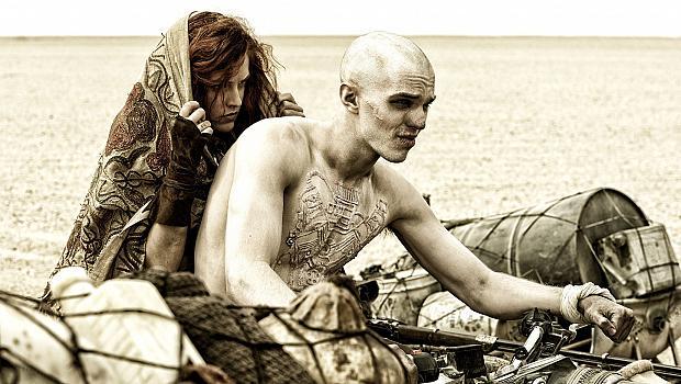 """Кадри от филма """"Лудия Макс: Пътят на яростта"""""""