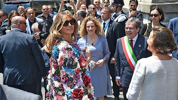 Мелания Тръмп посети Сицилия с палто за 51 хиляди долара