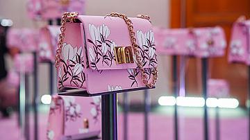 Триумфът на розовите чанти: 20 модела, които ще ви впечатлят