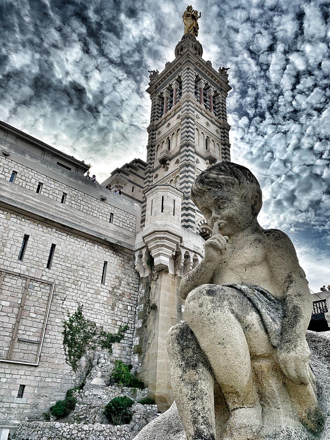 Базиликата Нотр-Дам дьо ла Гард, Марсилия