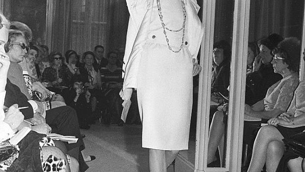Two-tone shoes на Chanel през годините