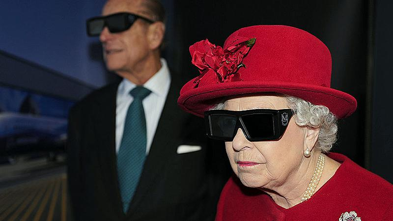 Работа мечта: Елизабет II търси Instagram-мениджър