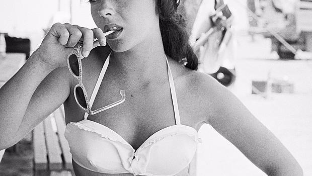 Снимките на Елизабет Тейлър по бански са вечни