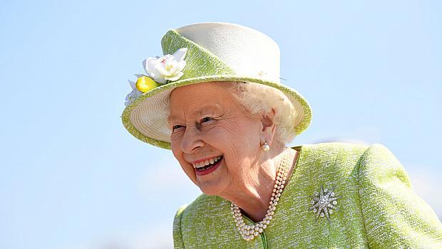 Как точно яде банани кралица Елизабет II