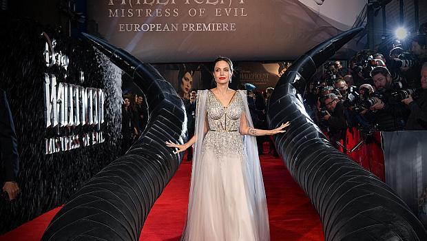 Господарка на холивудски блясък: Анджелина Джоли в Ralph & Russo