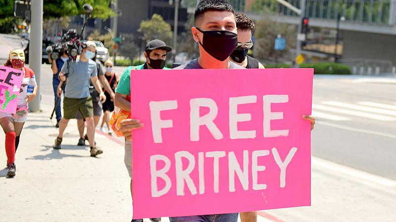 #SorryBritney - нов хаштаг в подкрепа на Бритни Спиърс
