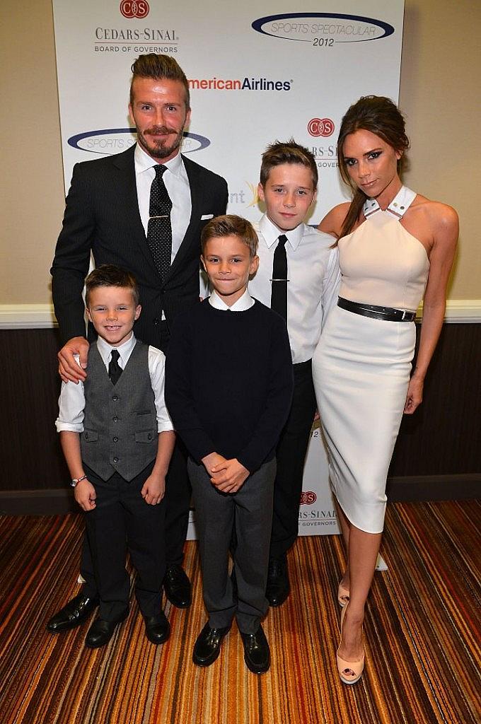 Дейвид и Виктория със синовете си