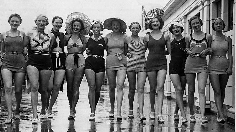 Банският костюм – кратка модна история, изпълнена със скандали