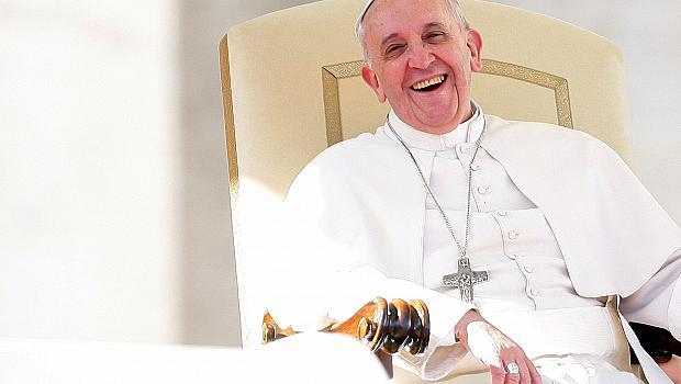 Чуйте първия сингъл на папата