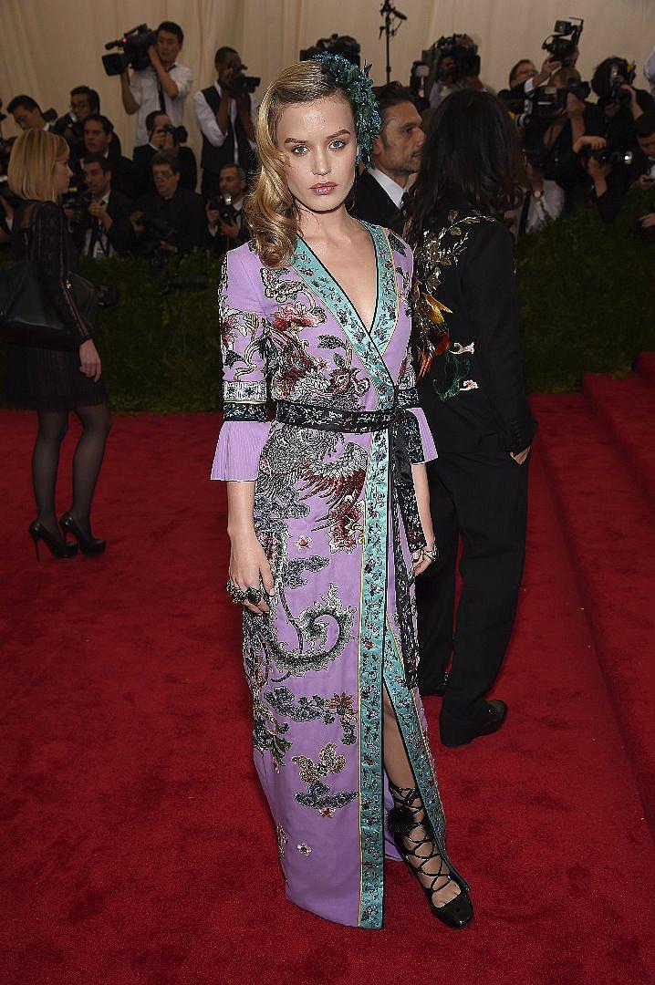 Джорджия Мей Джагър последва кариерата на майка си Джери Хол и стана модел. Тя вече има зад гърба си договор с Lancome и е лице на Hudson Jeans и Rimmel London, както е и едно от лицата на Chanel. Често сравняват дъщерята на рок динозавъра Мик Джагър с кака й Кейт Мос.