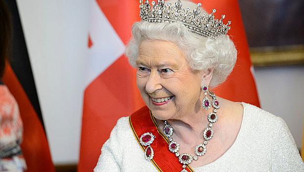 Пие ли алкохол кралицата и коя е най-добрата й приятелка?