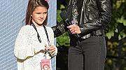 Кейти Холмс призна, че дъщеря й се отдалечава от нея