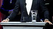 Дейвид Бекъм обграден от куп красавици на благотворителен бал на УНИЦЕФ
