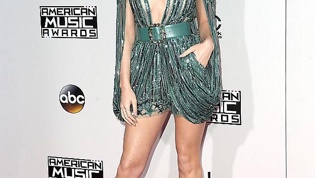 Най-зле облечените звезди на AMA 2016