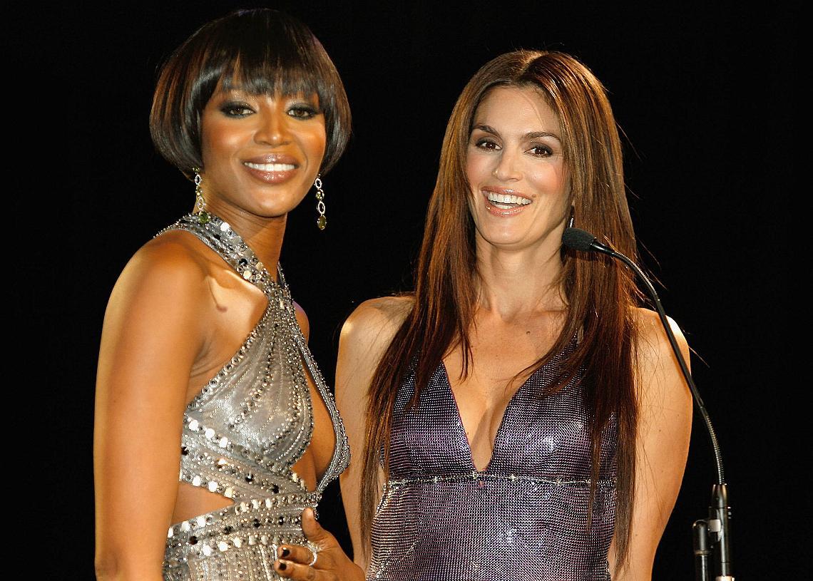 Наоми Кембъл и Синди Крауфорд през 2007 г.