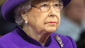 Странните привилегии на Елизабет Втора