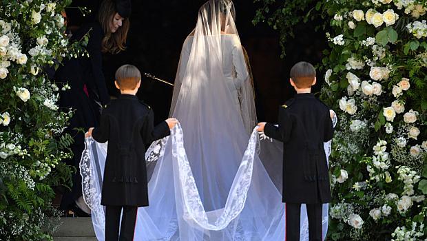 Меган Маркъл в приказна сватбена рокля на Givenchy