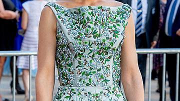 Кейти Холмс в рокля на Zac Posen