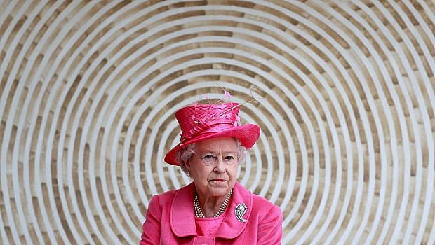 Защо кралица Елизабет Втора празнува два пъти рождения си ден?