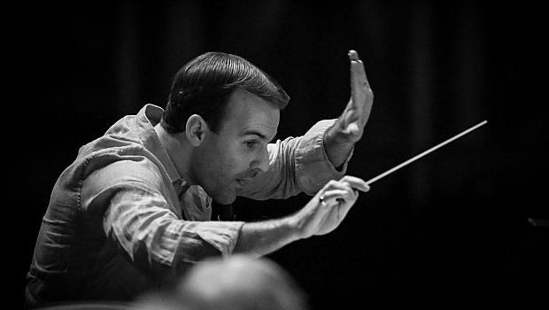 """Създателят на """"Кръстникът LIVE"""" ще дирижира симфоничния оркестър на БНР"""
