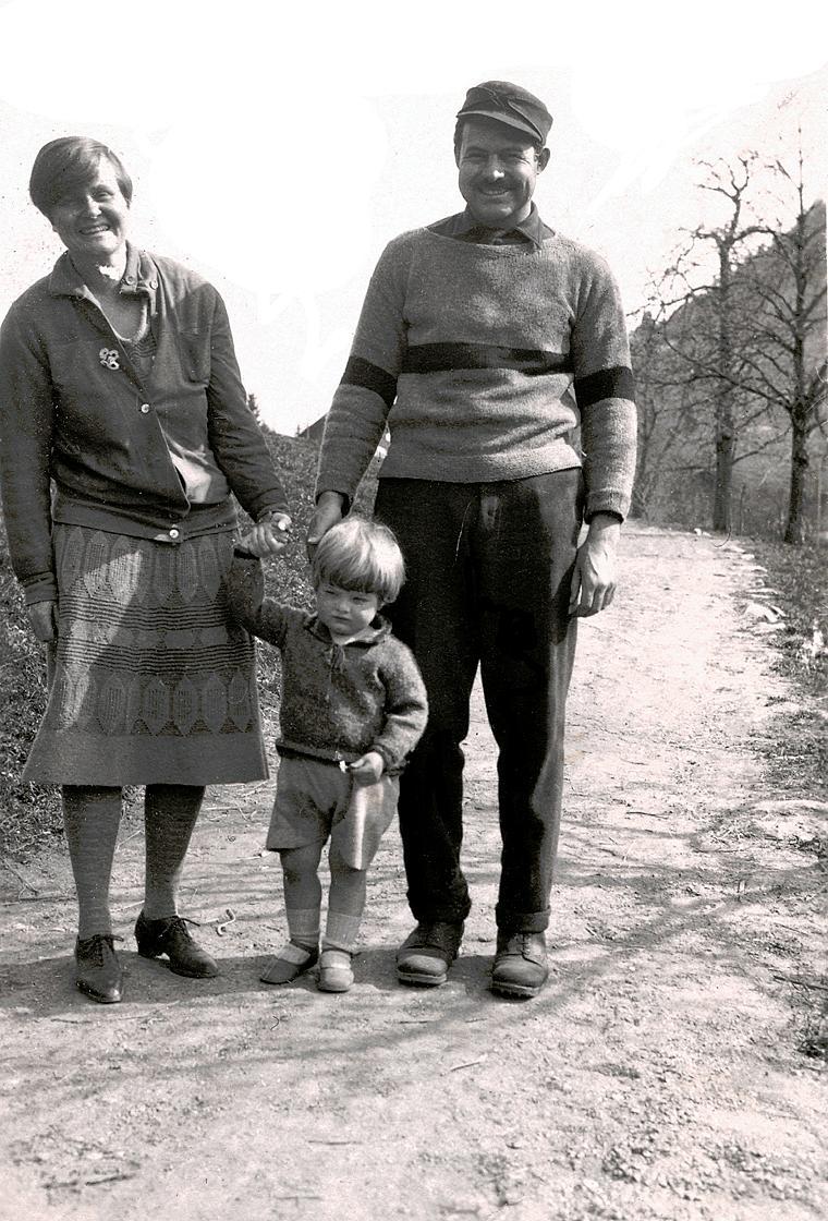 Ърнест Хемингуей, Хедли Ричардсън и синът им Джак