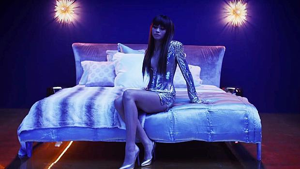 Зендая участва в клипа на Бруно Марс - Versace on the floor