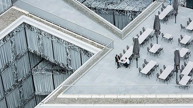 Категория ИЗПОЛЗВАЕМИ СГРАДИ / Фотограф: Ейдриън Баракат /  Allianz Headquarters, Цюрих, Швейцария  /  Архитект: Wiel Arets Architects
