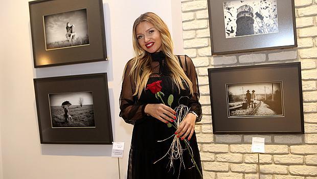 Преди Коледа разгледайте изложбата на Христина Бицова