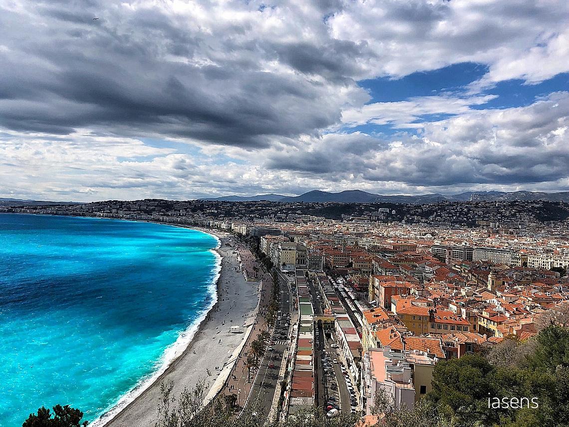 Гледката към Ница от Colline du Chateau