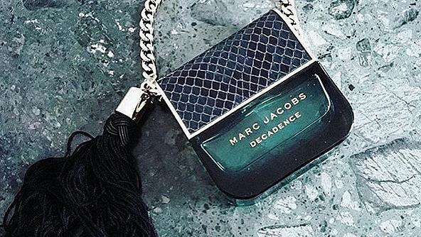 Парфюмът Decadence на Marc Jacobs в Instagram