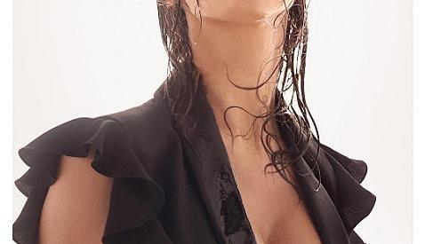 Бременната Ирина Шайк се снима в секси кадри