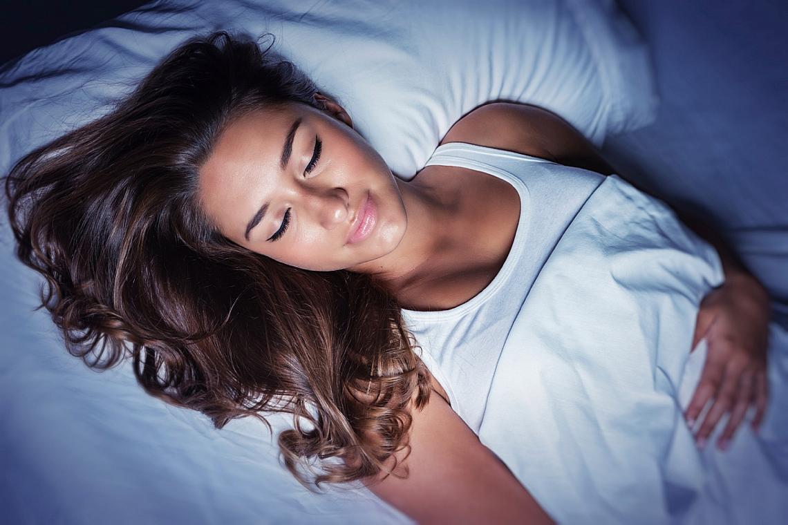 Грижите за красотата през нощта са много важни.
