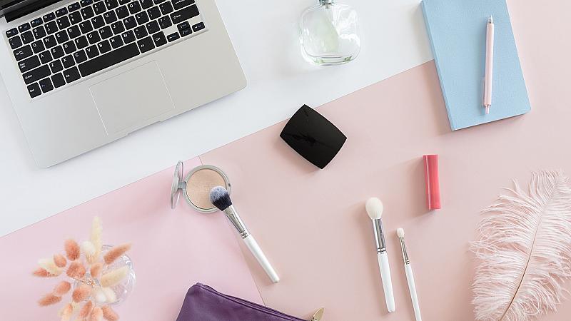 Monday Mood: как козметиката може да намали стреса?