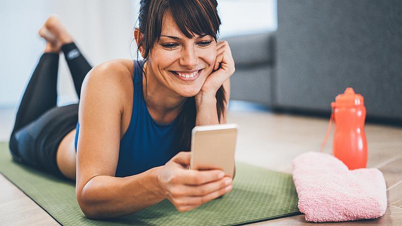 Шест мобилни приложения, с които да тренирате у дома