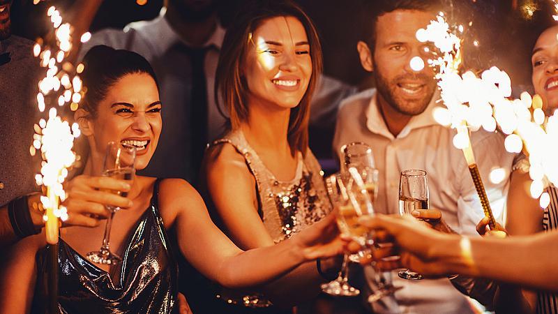 Преди, по време и след партито: малки трикове, за да си спестим главоболието утре