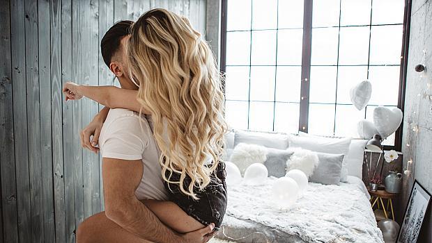 Сексът ни прави по-щастливи заради... гушкането