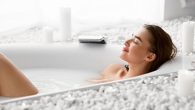 Да се стоплим: 3 рецепти за сгряваща антистрес вана