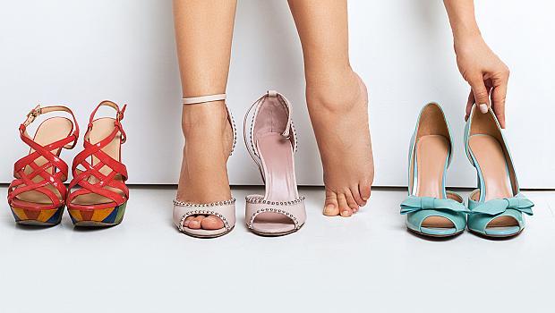 Как да носим новите си обувки, без да ни убиват