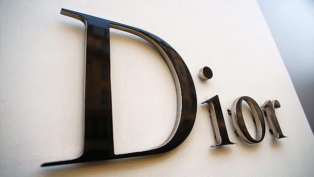 Dior и Givenchy започват производство на дезинфектант за болници