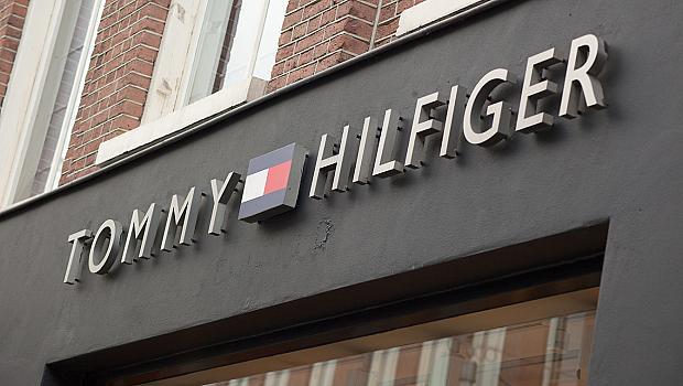 Tommy Hilfiger и Calvin Klein със специални предложения в магазините си