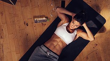 5 упражнения за плосък корем, които може да правим и вкъщи